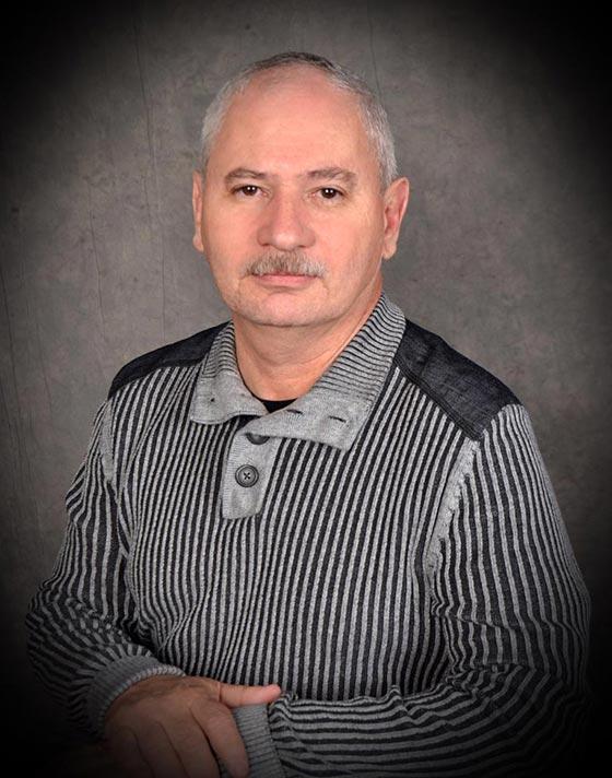 Dr. Luis Romero